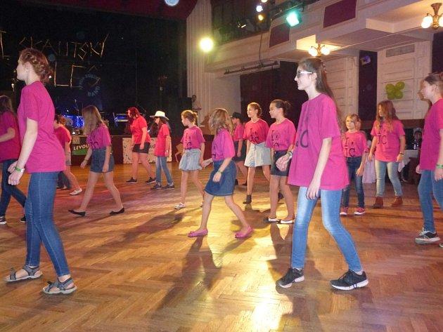Skautský ples v Jičíně.