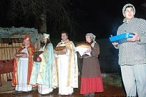 Adventní čas v Libuni s betlémem.