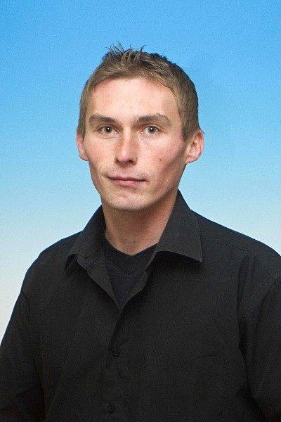 MIROSLAV RYCHECKÝ (TJ Lázně Bělohrad) Fotbalista, útočník mužstva, hrajícího krajský přebor, také letos jeden z nejlepších střelců soutěže.