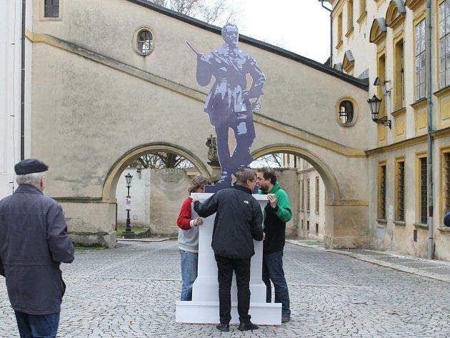 Jičíňáci rozhodovali o budoucí umístění sochy Valdštejna.