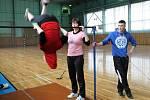 Z tělocvičny bělohradského učiliště.