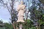 V Lukavci vysvětili sochu Jana Nepomuckého.