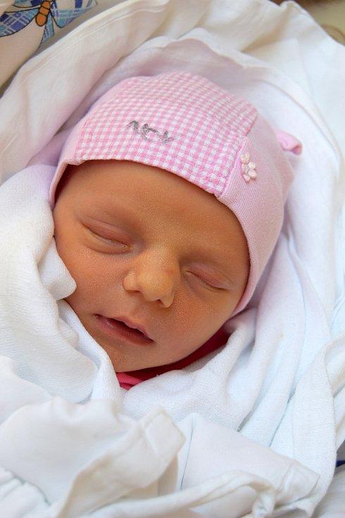 Alžběta Bernardová se narodila 23. dubna s mírou 47 cm a váhou 2,75 kg rodičům Pavle a Michalu Bernardovým. Všichni tři už se těší domů do Radvánovic.
