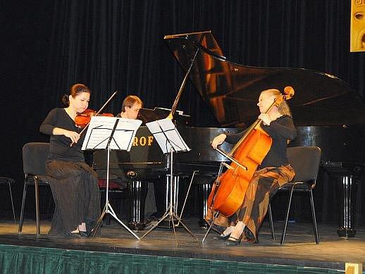 Koncert hořické ZUŠ k poctě Bohuslava Martinů.
