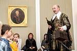 Předávání vysvědčení s vévodou Albrechtem z Valdštejna.