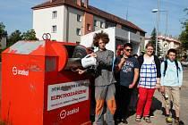 Žáci ZŠ v Soudné se podílejí na recyklaci.