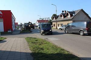 O víkendu bude omezen provoz na objížďce přes Hořice.