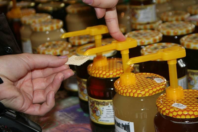 """""""Zázrak"""" z včelích úlů si dokáže poradit s leckerou nemocí."""