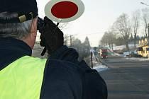 U dálnice D1 a na silnici mezi Jihlavou a Stonařovem se policisté soustředili na kontrolu cizinců, kteří projížděli přes Vysočinu.