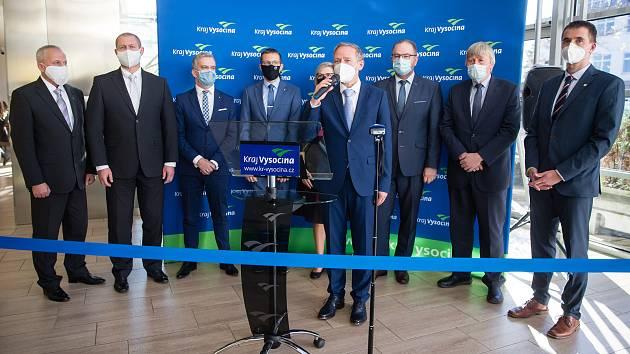 Nová rada Kraje Vysočina k na ustavujícím zasedání krajského zastupitelstva v Jihlavě.