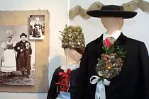 Originální mužské i ženské krojové oblečení na různé životní příležitosti je k vidění v Muzeu Vysočiny v Jihlavě.