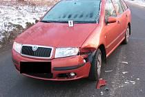 Chybu při projíždění zatáčky v Jihlavě – Hruškových Dvorech udělala řidička Škody Fabia.