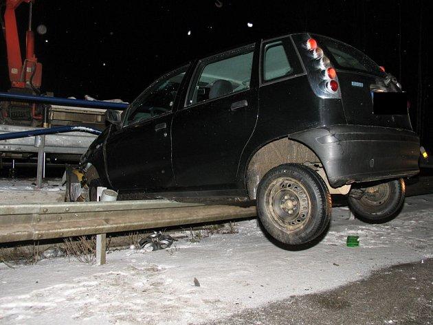K dopravní nehodě osobního vozu Fiat došlo na jihlavském dálničním přivaděči.