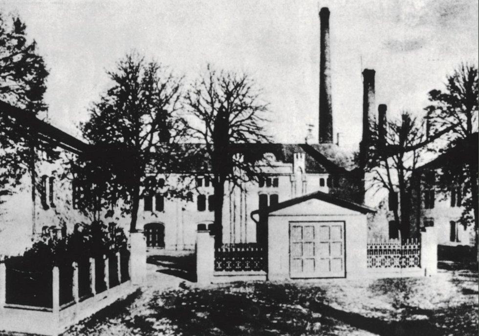 Nádvoří pivovaru, jak vypadalo v roce 1913.