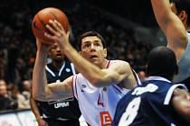 Petru Bendovi se v pohárovém zápase s Bolognou dařilo. K výhře Nymburka pomohl 14 body a 8 doskoky.