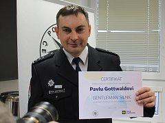 Pavel Gottwald zachránil život mladému řidiči. Jeho čin se dočkal ocenění.