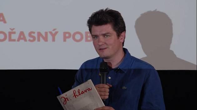 Ředitel festivalu Marek Hovorka při představení programu 25: ročníku Mezinárodního festivalu dokumentárních filmů Ji.hlava.