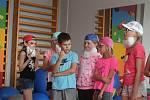 Ambroziády se účastní téměř stovka dětí, vesměs sní o hvězdné kariéře.