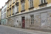 I toto nepěkné místo na Palackého ulici v historickém centru Jihlavy by si zasloužilo rekonstrukci. Možná se dočká oprav na podzim.