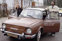 Škoda 110 l z roku 1970 je jedním z veteránů Ondřeje Pecháčka. Společně s manželkou jich vlastní kolem patnácti. Nové auto by milovník starých škodovek nechtěl.