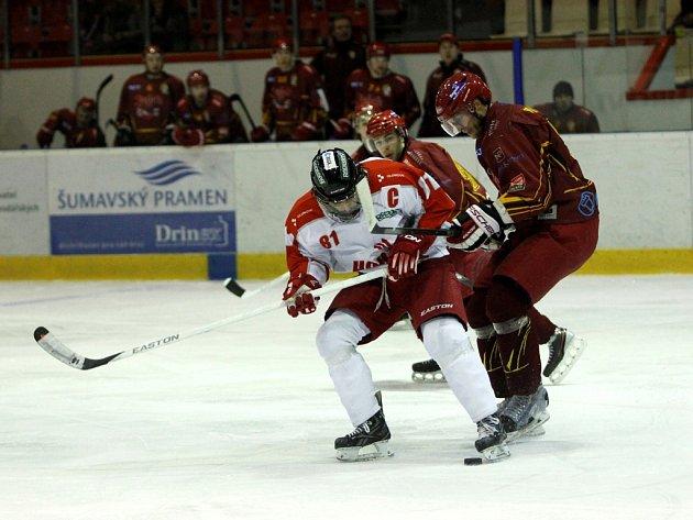 Jihlavští hokejisté sice byli olomouckému favoritovi více než vyrovnaným protivníkem, po dvou zápasech na Hané ale prohrávají 0:2 na zápasy.
