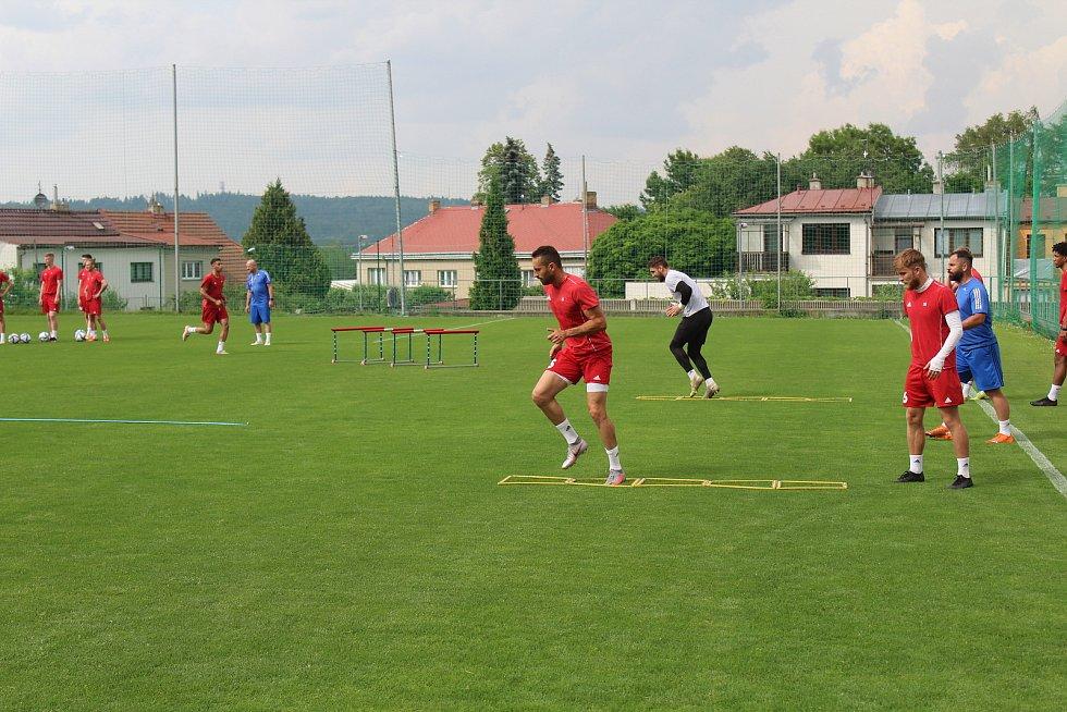 První trénink druholigových jihlavských fotbalistů.