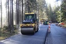 Do oprav silnic druhých a třetích tříd se letos pustí Kraj Vysočina. Ilustrační foto