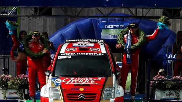 Martin Prokop od začátku Finské rallye udával tón závodu. Na trati ho prověřil jen mladý Fin Pinomäki, v neděli odpoledne se potom mohl radovat nejen z vítězství v prestižním podniku, ale v celkové klasifikaci juniorů.