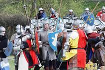 Snímek ze středověké bitvy, která se odehrála v Batelově.