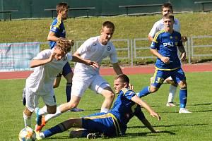 Jihlavští mladíci (v modrém) odehráli v přípravě tři utkání.