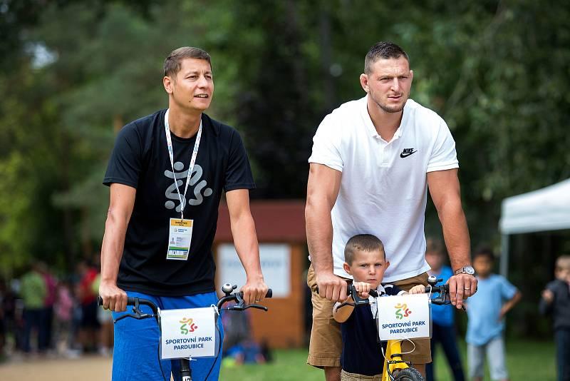 S mladými judisty ve sportovním parku v Pardubicích.
