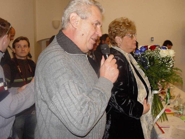 Novou stranu Jany Volfové podpořil i Miloš Zeman.