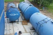 Sanace na skládce. Nebezpečný odpad od Nového Rychnova firma Dekonta odvezla do Ústí nad Labem.