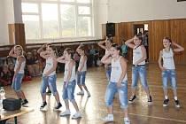 Tanečníci a tanečnice na Brtnické včele.
