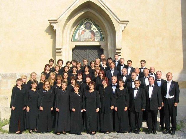 Pěvecké sdružení Campanula z Jihlavy vystoupí v gotickém sále jihlavské radnice s pásmem koled a sakrálních písní.