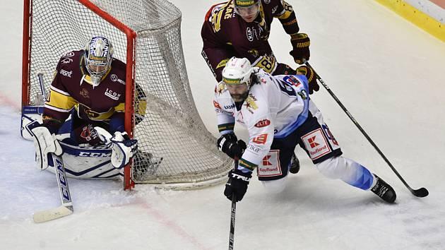 Jihlavští hokejisté ani druhé domácí utkání nezvládli. Podlehli Kladnu v prodloužení.