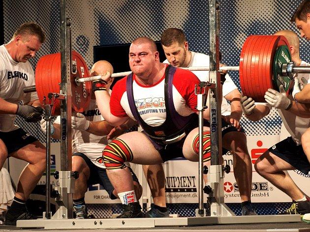Každá medaile z velké akce je úspěch, říká silový trojbojař David Lupač