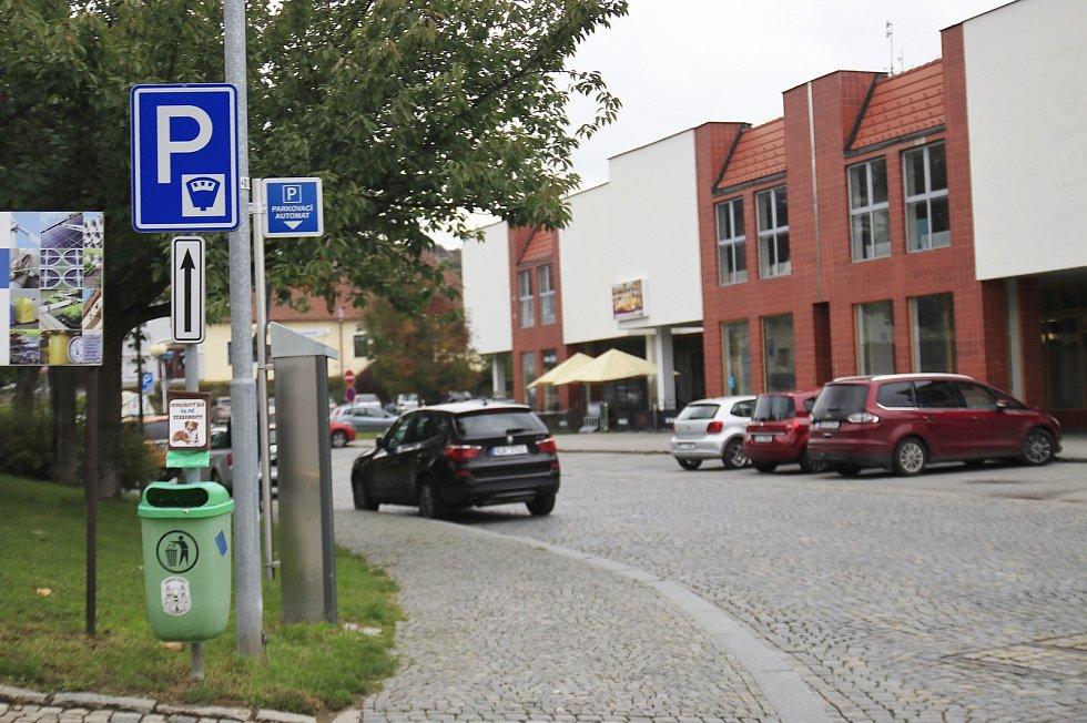 Placené parkování v Pelhřimově.