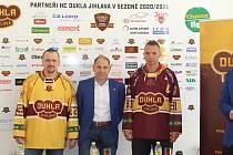 Dukla také představila nové dresy na nadcházející sezonu.