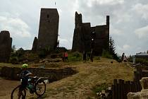 Zřícenina hradu Rokštejn je přístupná veřejnosti. Foto: Deník / Martin Singr