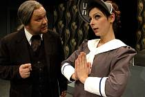 Mam'zelle Nitouche. Inscenaci této úspěšné operety přetahuje Horácké divadlo z minulé sezony. Nejbližší představení Mam'zelle Nitouche je na programu v úterý 13. září.