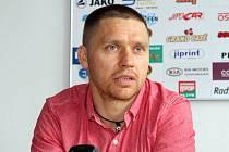 Útočník Marek Melenovský se vrátil po dlouhých patnácti letech do mateřského klubu. V Dukle Jihlava by měl působit následující tři sezony.