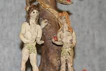 Pacienti psychiatrické léčebny Na Kopečku v Jihlavě ztvárnili ve svých arteterapeutických dílnách Věčný příběh Adama a Evy.