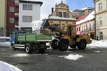 Úklid sněhu ve městech stojí každý rok miliony korun.