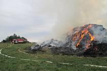 Požár stohu v Hodicích