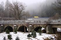 Tento most přes řeku Jihlavu mezi Malým Beranovem a Helenínem vyžaduje rekonstrukci. Žádný jiný barokní most v krajském městě a jeho nejbližším okolí není.