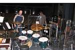 Koncertu předcházely přípravy na ozvučení sálu