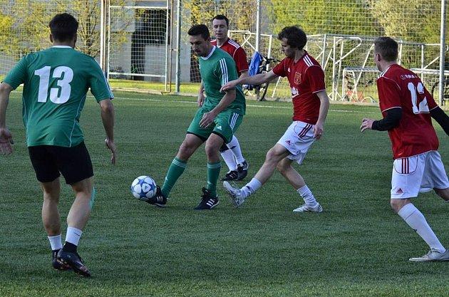 Ve fotbalovém prostředí působím také na půdě Jihlavské malé kopané. Zde hraji vnejvyšší soutěži za tým Devillé.
