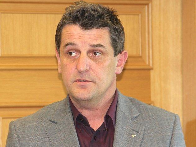 Bývalého ministra Krčála ve vedení ČSSD nahradil Joukl