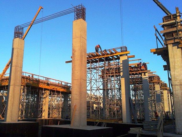 Stavba nového závodu Synthos v Osvětimi.